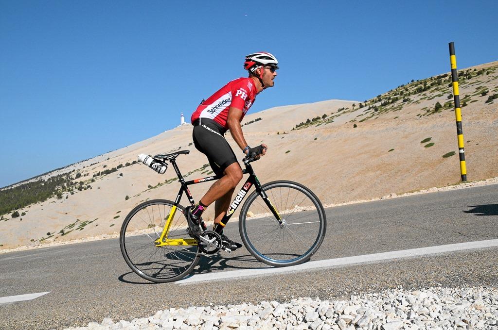 """""""l'ostinata fatica vince ogni cosa"""" [F.P.] ascesa (e discesa) al #Ventoux con le sole gambe a far da marce (e freno)"""